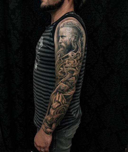 Ragnar_lothbrok_tattoo